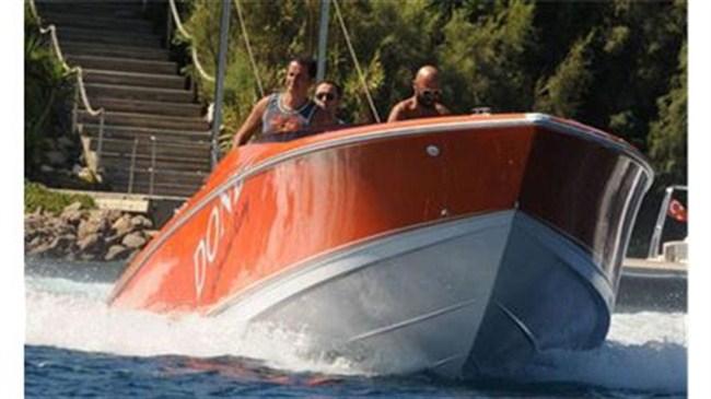 Hızını alamadı bir tekne daha aldı!